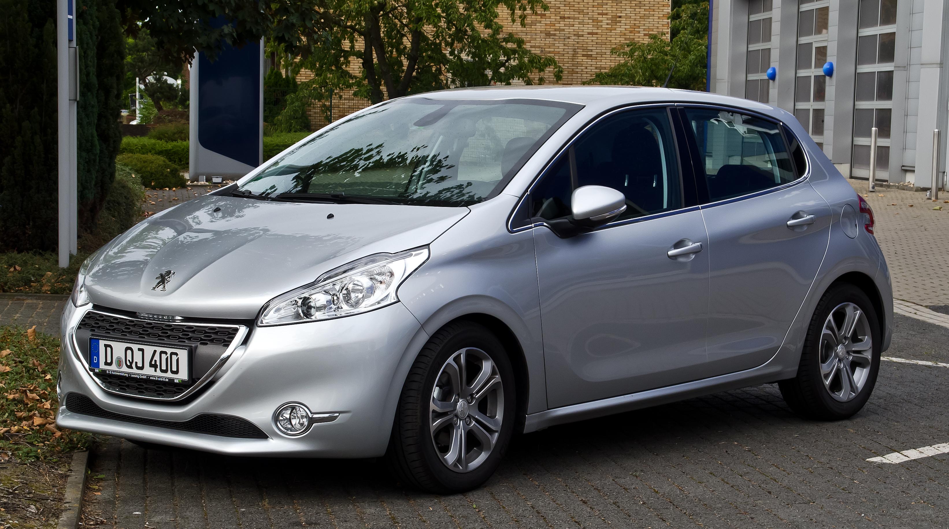 Peugeot omezuje výrobu modelu 208
