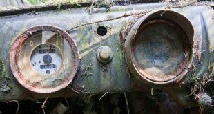 Legendární hřbitov automobilů v Belgii. Jaké je jeho tajemství?