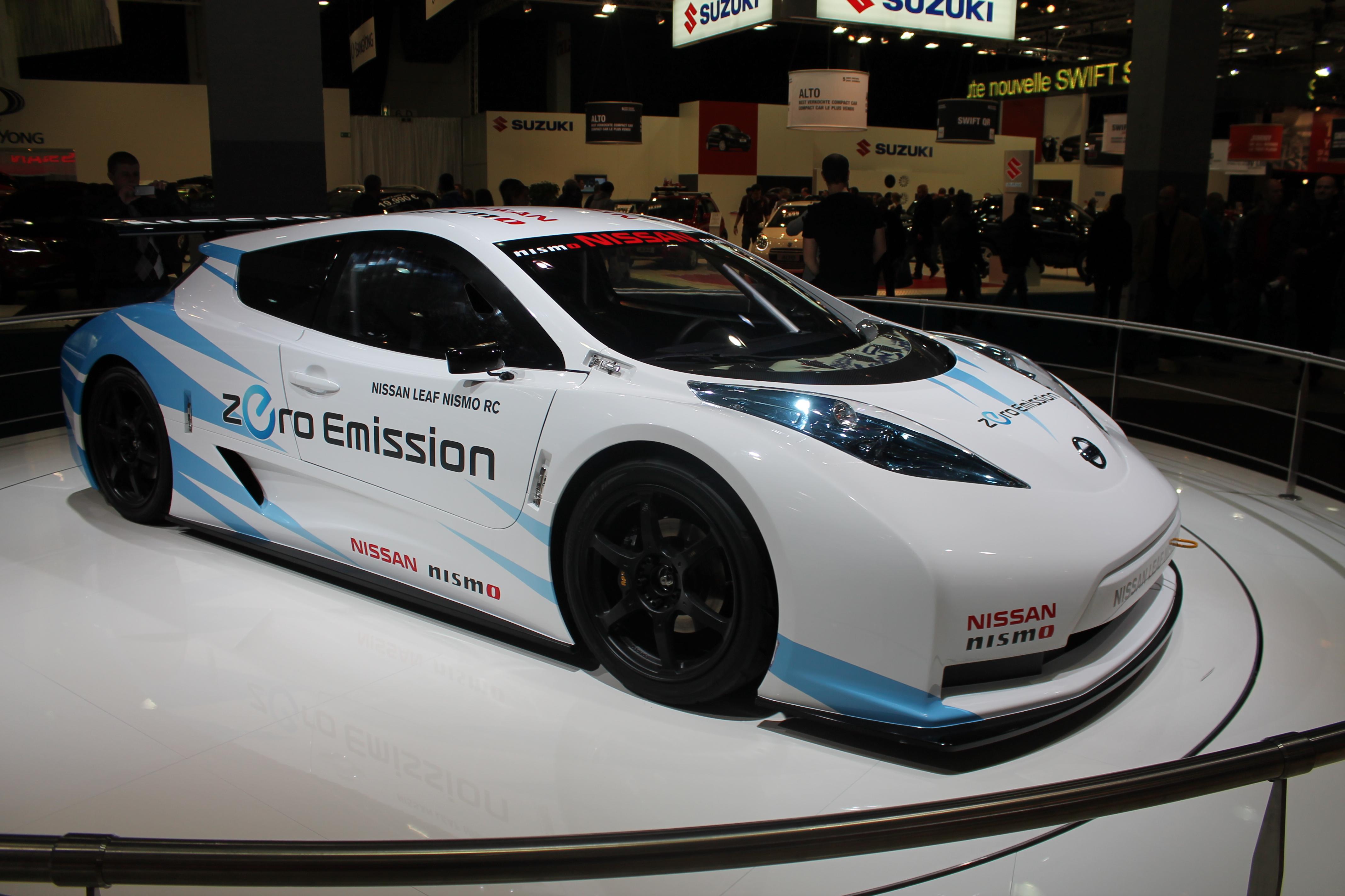 Nabij a jeď - Nissan instaluje další nabíječku hybridů