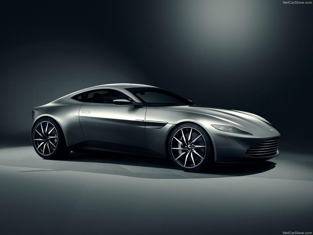 Aston Martin DB10 má povolení k ostrému provozu