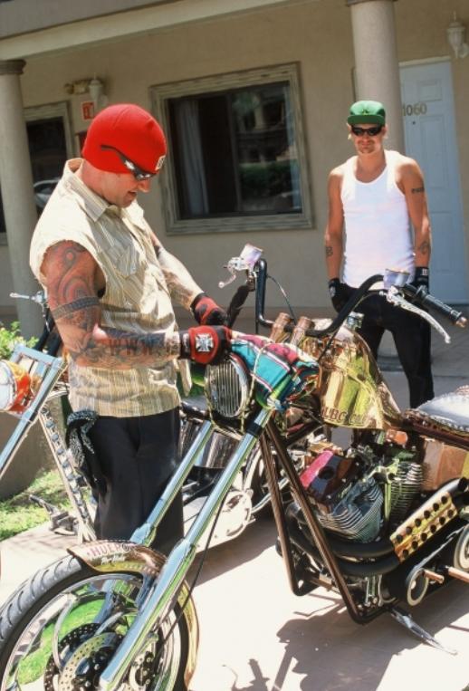Prožijte stylové léto na motorce a buďte IN!