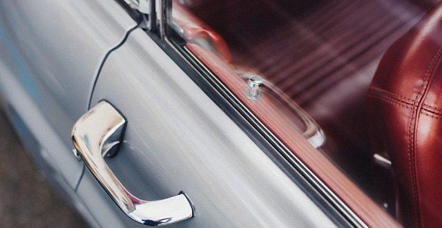 Jak o své auto ještě lépe pečovat? Myčka nestačí