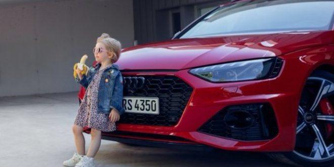 Audi po ostré kritice stáhlo reklamu, na které je holčička s banánem