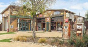 Texaský sen o bydlení v obklopení vozů. Tohle sídlo může být vaše už za 170 milionů